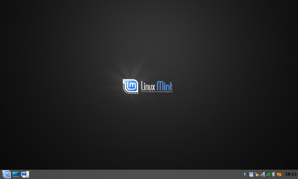 Linux Mint 5.0 (Elyssa) with KDE 3.png