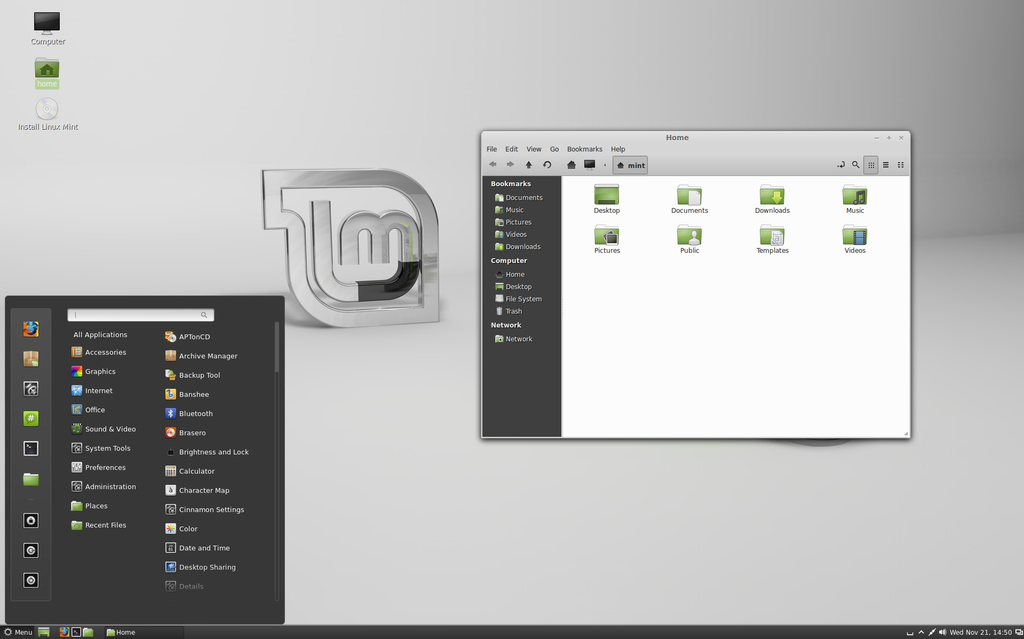 Linux Mint 14 (Nadia) with Cinnamon.png